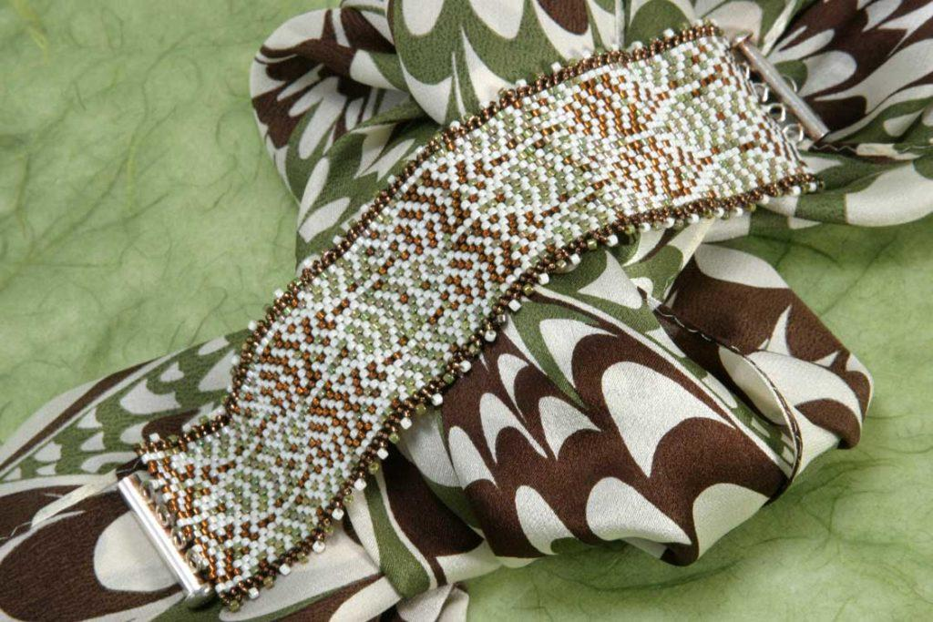 Off-Loom Stitching Peyote Leaf Bracelet